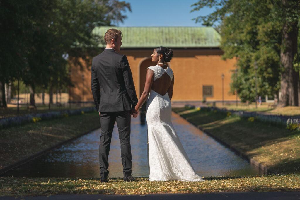 brudpar i museiparken Karlstad